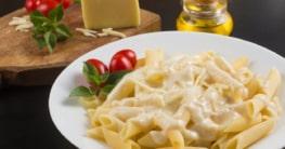 Spaghetti mit Parmesan Sahnesauce Rezept