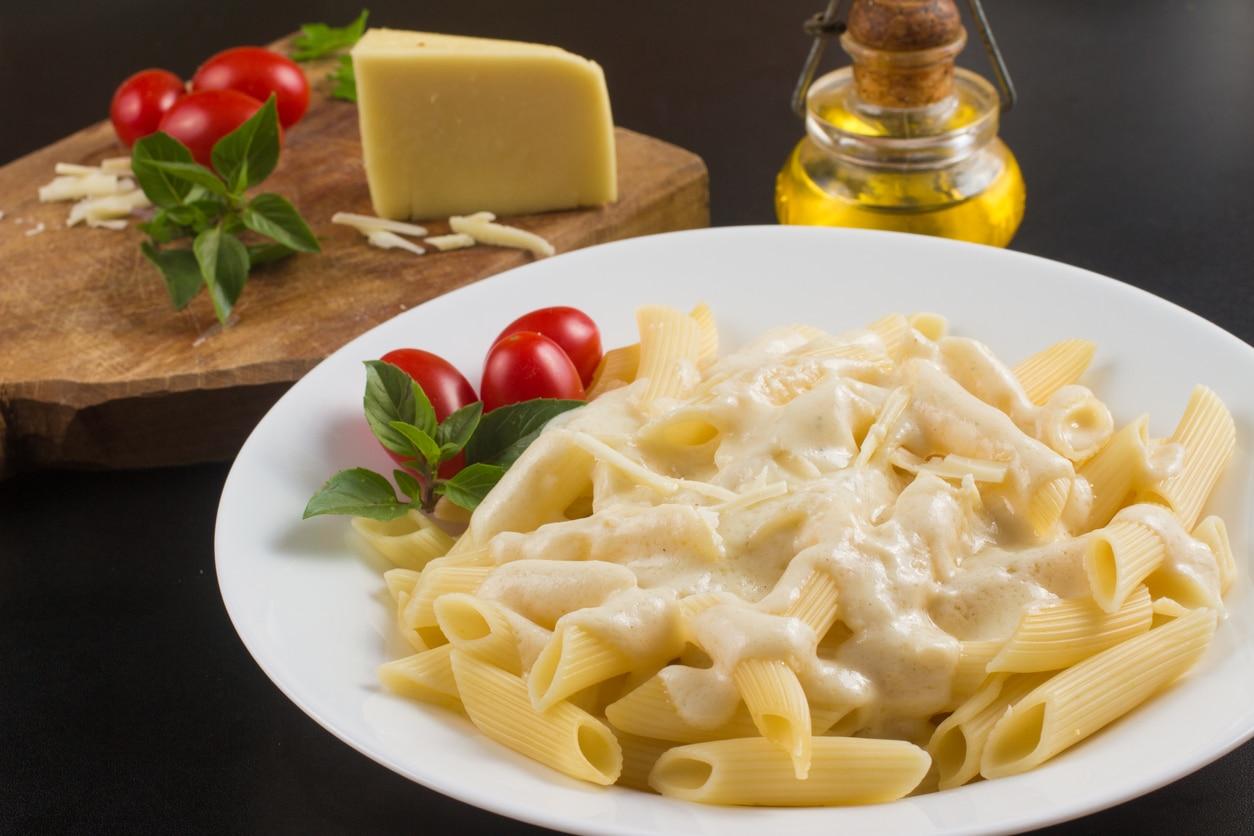 Spaghetti mit Parmesan Sahnesauce