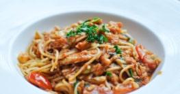 Spaghetti mit Thunfisch Tomatensauce Rezept